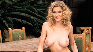 Jane Darling Has a Big Titty Fuck Session during Her BBQ