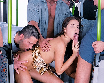 Private  porn video: Alexa May se pajea mientras con un gang bang fantasea