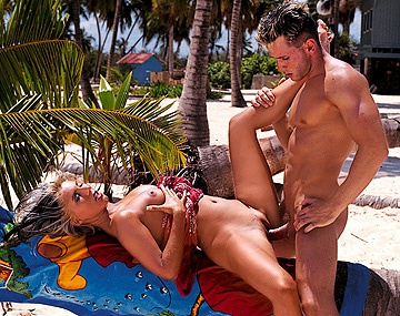 Private  porn video: Dina Pearl Walks down to the Beach and Lets Her Lover Fuck Her Asshole