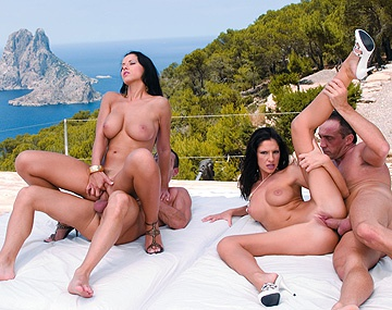 Private  porn video: Outdoor Fourway with Angel Dark and Bambi Giving Blowjobs for Cumshots