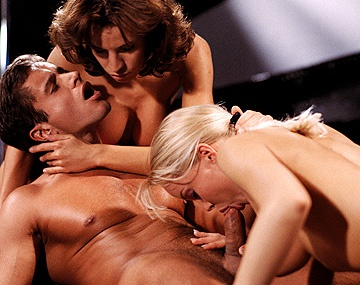Private  porn video: Silvia Saint Gives a Blowjob While Wanda Curtis Licks Her Moist Pussy