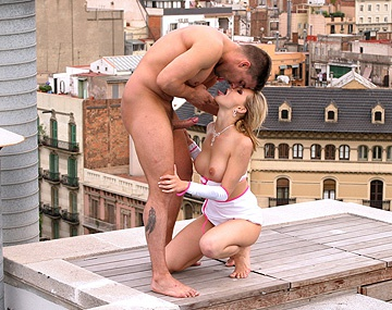 Private  porn video: Liz Honey Is out on a Roof Top Getting Fucked While Anyone Can Watch
