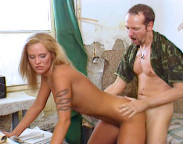 Private  porn video: Cassandra Wild en el despacho del general recibe una buena dosis de sexo anal